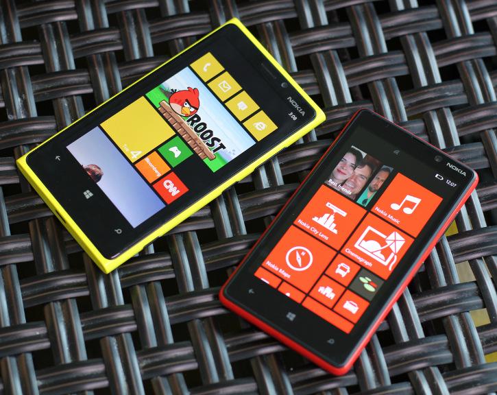 Lumia Black dla Nokia Lumia 820 i Nokia Lumia 920